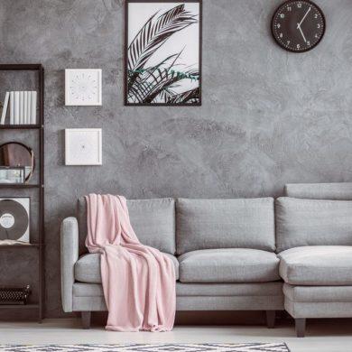 Tapeten-Farben Ideen: Graue Wand mit Couch